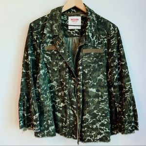 Missing Camo Bell Sleeve Jacket